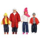 Poppenfamilie-in-winterkleding